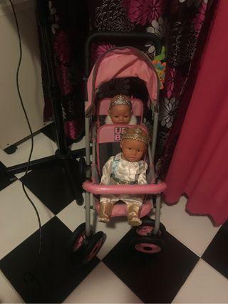 Carrito de gemelos de muñecos
