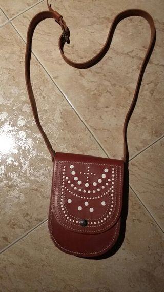 Artesania:bolso de cuero