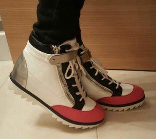 Sneakers abotinados 37 A ESTRENAR