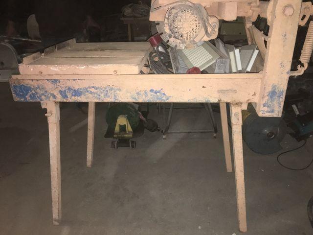 Mesa corte por agua para obras
