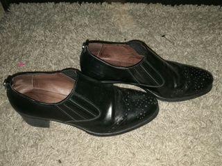 Zapato piel negra