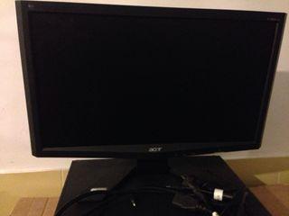 Ordenador Asus y pantalla