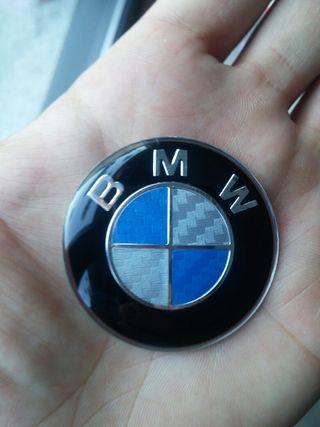 Emblema BMW VOLANTE acabado carbono