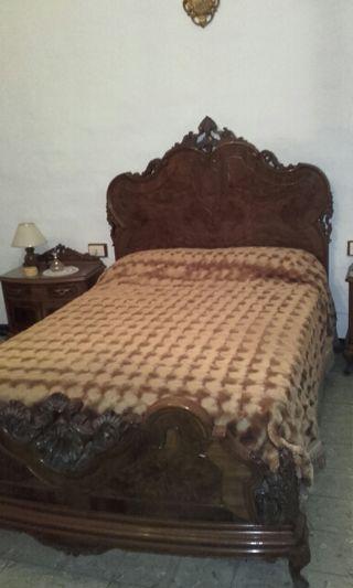 Cama de matrimonio madera antiguedad