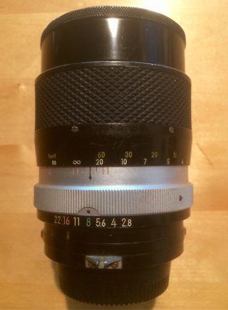 Nikon Nikkor 135 mm 2.8
