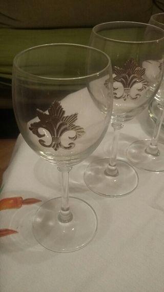 Decantador de vino mas seis copas