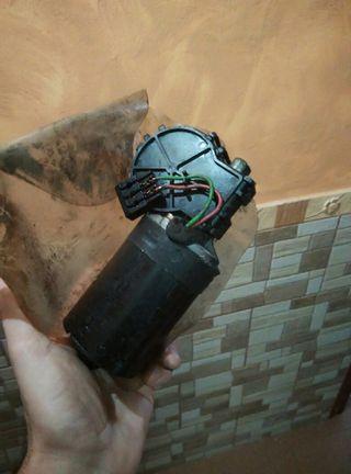 Motor del limpia de seat cordoba y ibiza