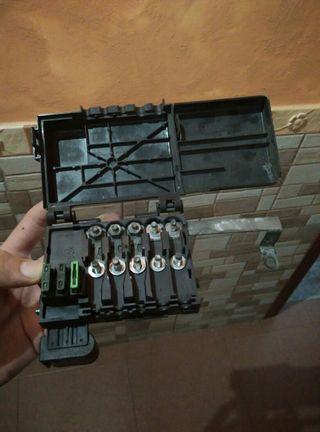 Caja de fusibles bateria seat cordoba y ibiza