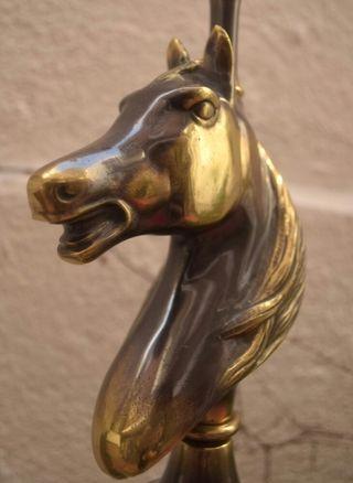 Espectacular lámpara caballo de mesa