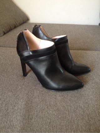 Zapatos, talla 39