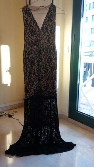 Espectacular vestido de encaje de Rare London