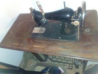Se vende maquina de coser ALFA