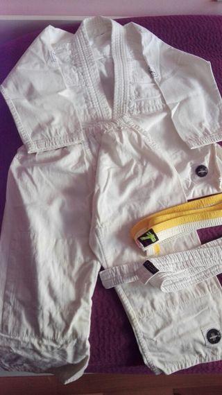 Kimono de Judo talla 5 años + 2 cinturones