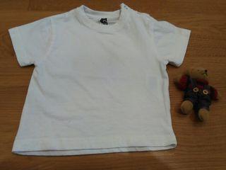 Lote 2 camisetas manga corta. 12/18