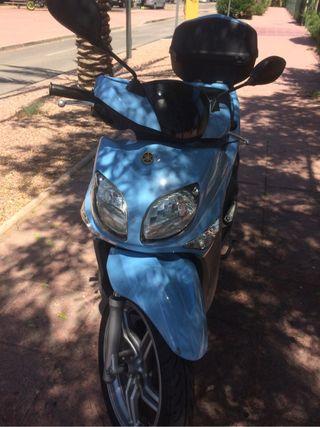 Vendo Yamaha 125 X- Enter Urban