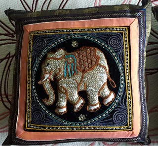Cojines étnicos elefante pareja