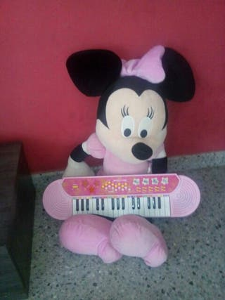Minny mouse grande con piano