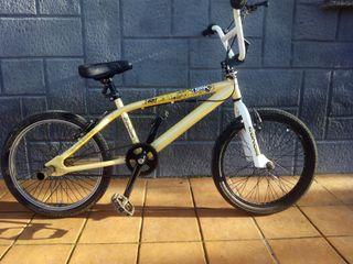 Bicicleta BMX conor Freeline