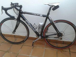 Bicicleta Scott cr1 fibra de carbono.