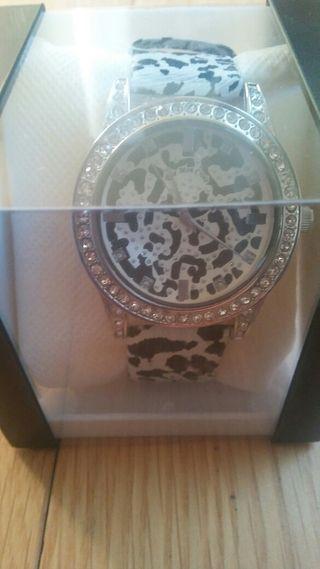 Reloj mujer brillantes en caja para regalo
