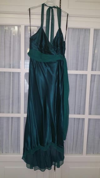 Vestido lencero con echarpe a juego
