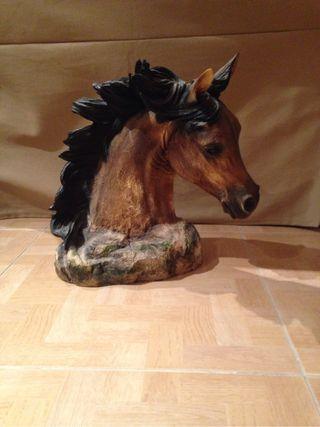 Cabeza de caballo de alabastro