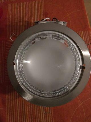Plafon con luz de bajo consumo
