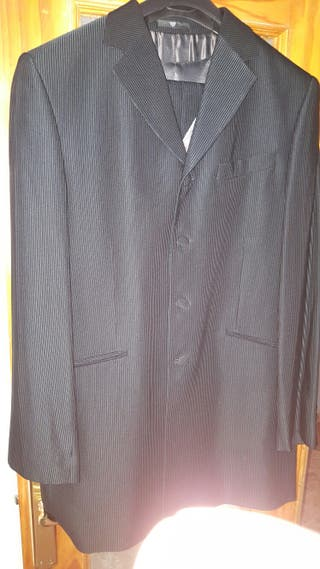 Traje boda, chaleco y corbata marca CARAMELO