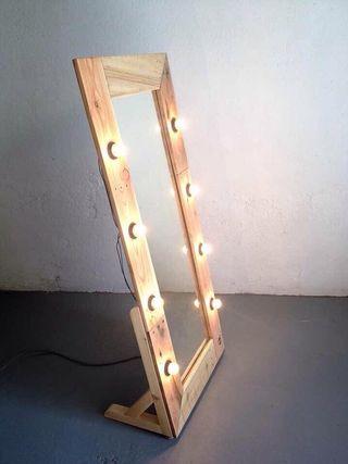 Espejos con marco y bombillas de segunda mano en barcelona en wallapop - Espejo con bombillas ikea ...