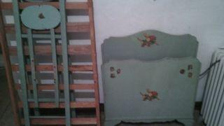 Cuna antigua con somier madera decoracion