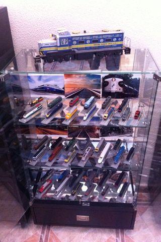 Preciosa coleccion de trenes locomotoras del Prado