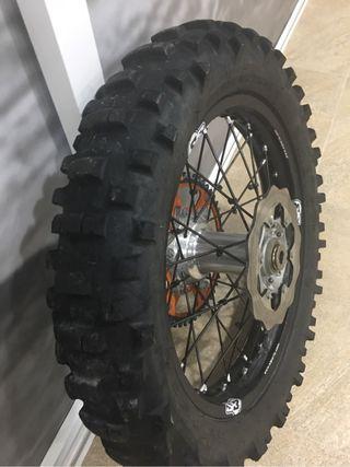 Neumatico moto Enduro metzeler