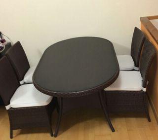 rebajo!!!!!conjunto mesa y 4 sillas