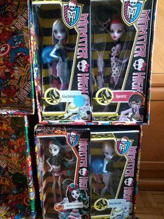 Muñecas Monster High en caja. skelita vendida