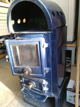 Estufa chimenea hierro fundido con horno y le era de segunda mano por 180 en madrid wallapop - Chimeneas de hierro fundido segunda mano ...
