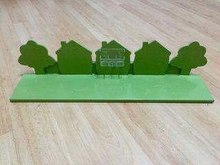 Estante verde madera