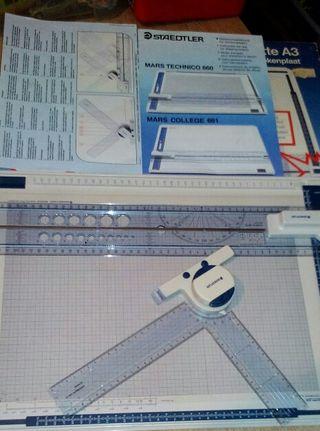Tabla de dibujo staedtler mars 660 con goniometro