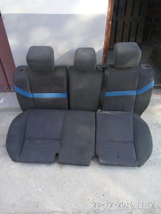 asientos traseros Ford kuga