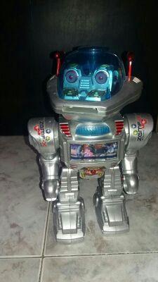 Robot bailarín, lanza discos