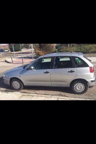 Se vende este coche
