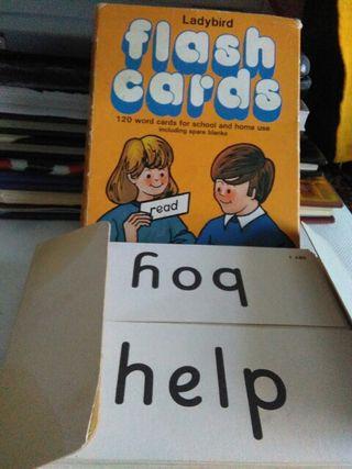 caja con cartulinas. inglés