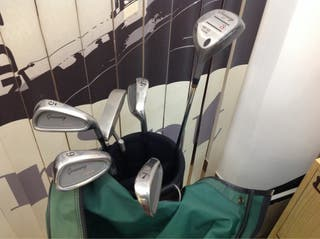 Equipo de golf nuevo a estrenar