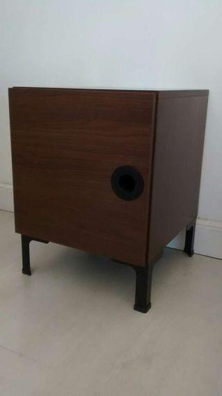 Mesilla Ikea, estilo retro