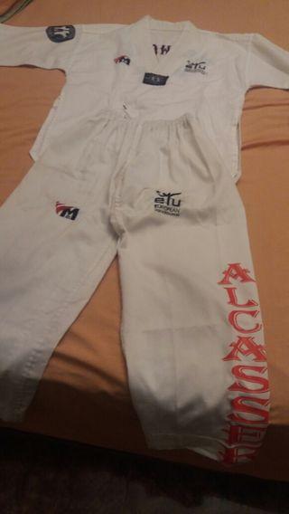 Trajes taekwondo