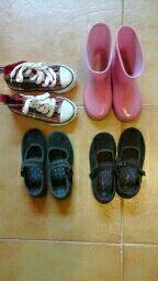 zapatos niña. todos 15 €