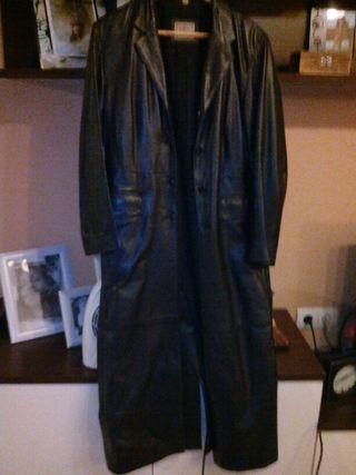 Abrigo largo piel con botones