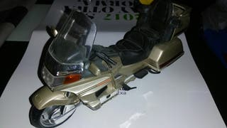 moto Honda gold wing.22 centimetros