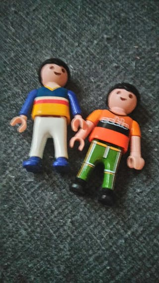 2 niños de playmobile