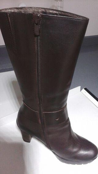 Botas altas de cuero para mujer