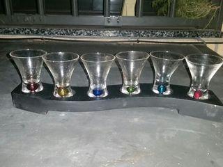 Vasos de chupitos multicolores nuevos con base